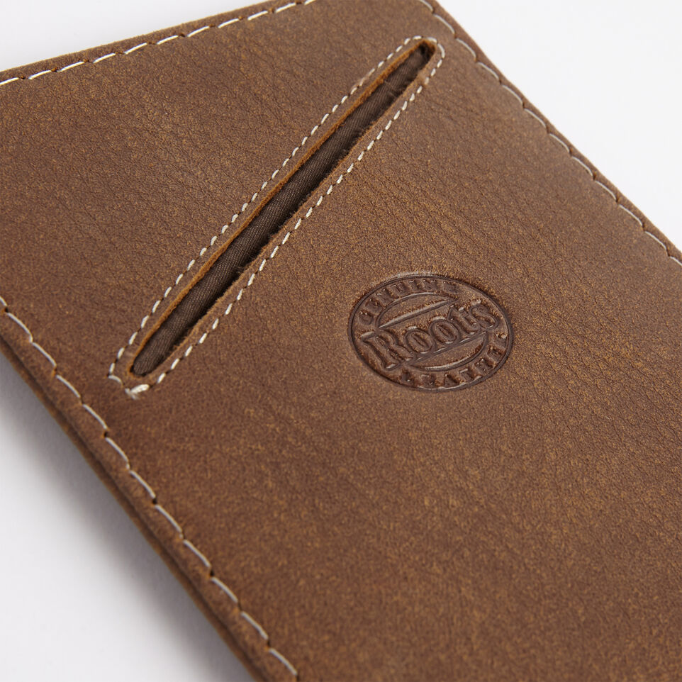 Roots-undefined-V Passport Holder Tribe-undefined-E