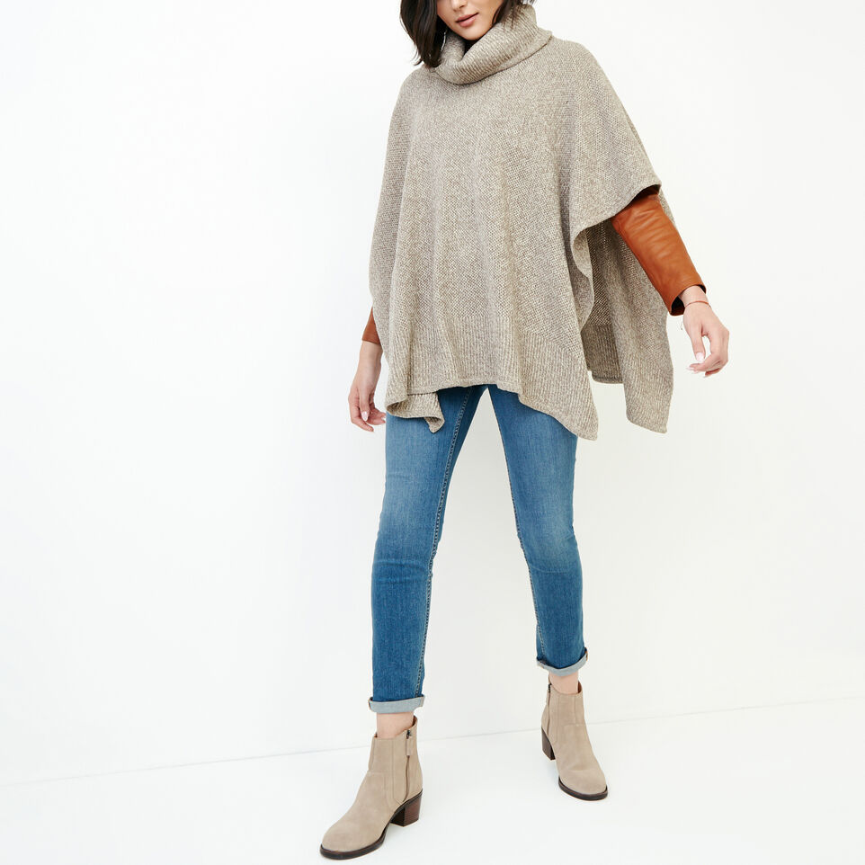 Roots-undefined-Nahanni Poncho-undefined-B