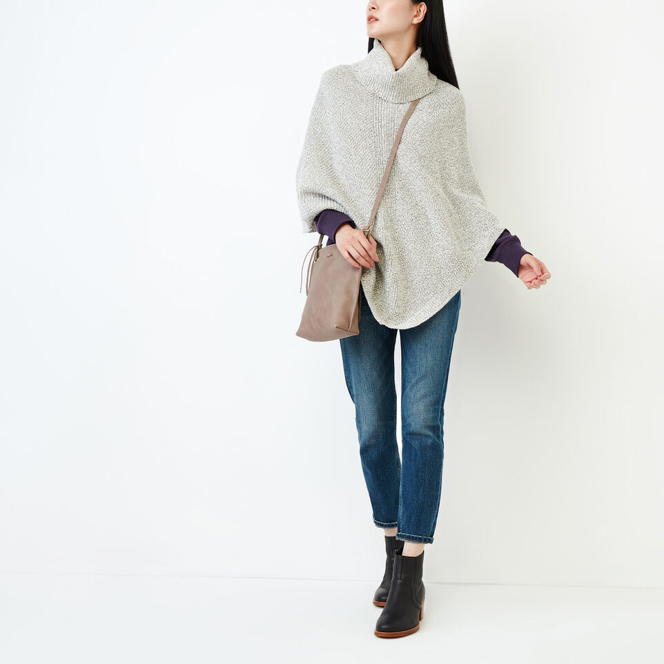 Roots-undefined-Snowy Fox Poncho-undefined-B