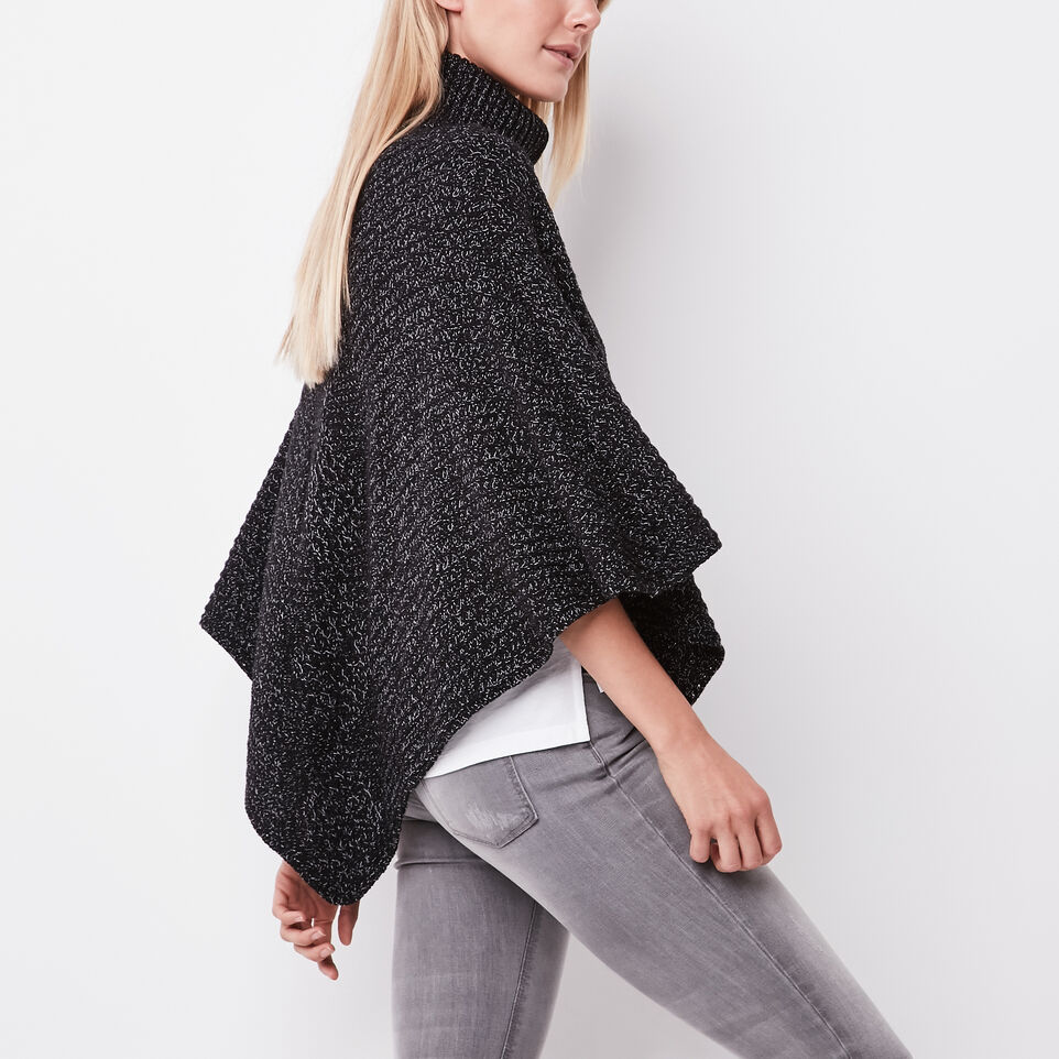Roots-undefined-Polar Fox Poncho-undefined-B