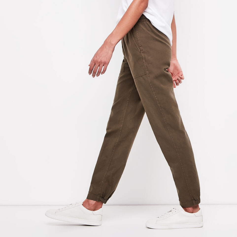 Roots-undefined-Elena Pant-undefined-B