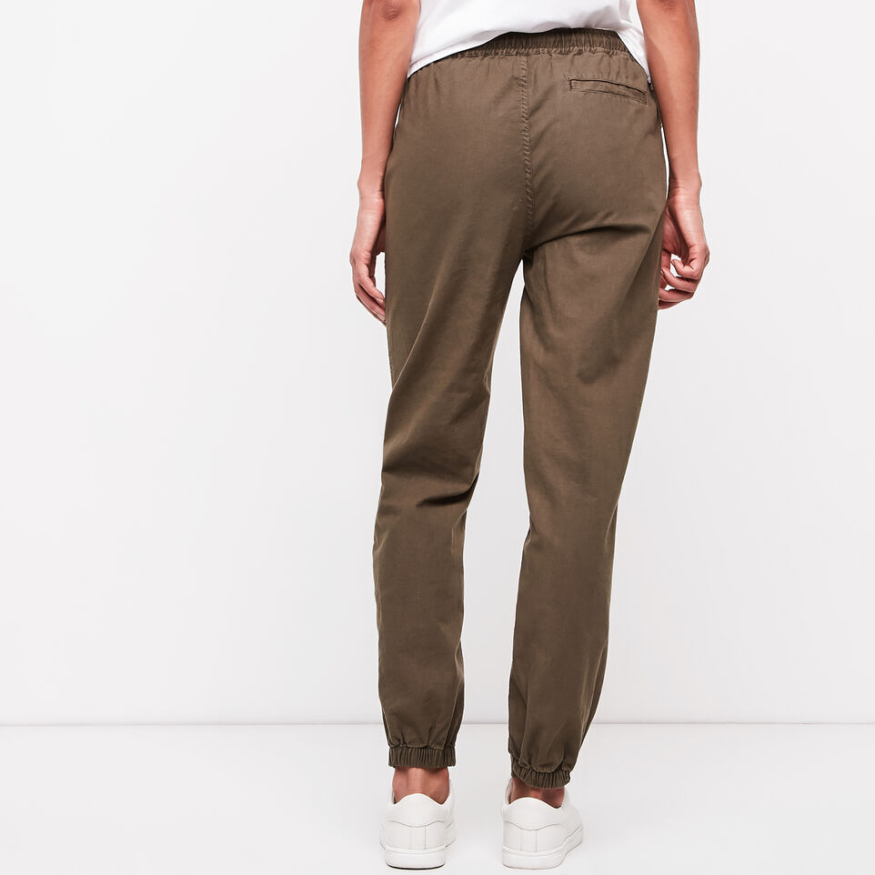 Roots-undefined-Elena Pant-undefined-D