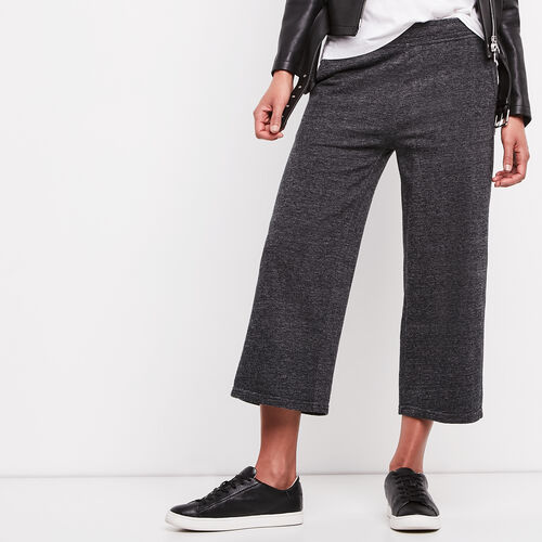 Roots-Women Cropped Sweatpants-Mabel Lake Culotte Sweatpant-Black Pepper-A