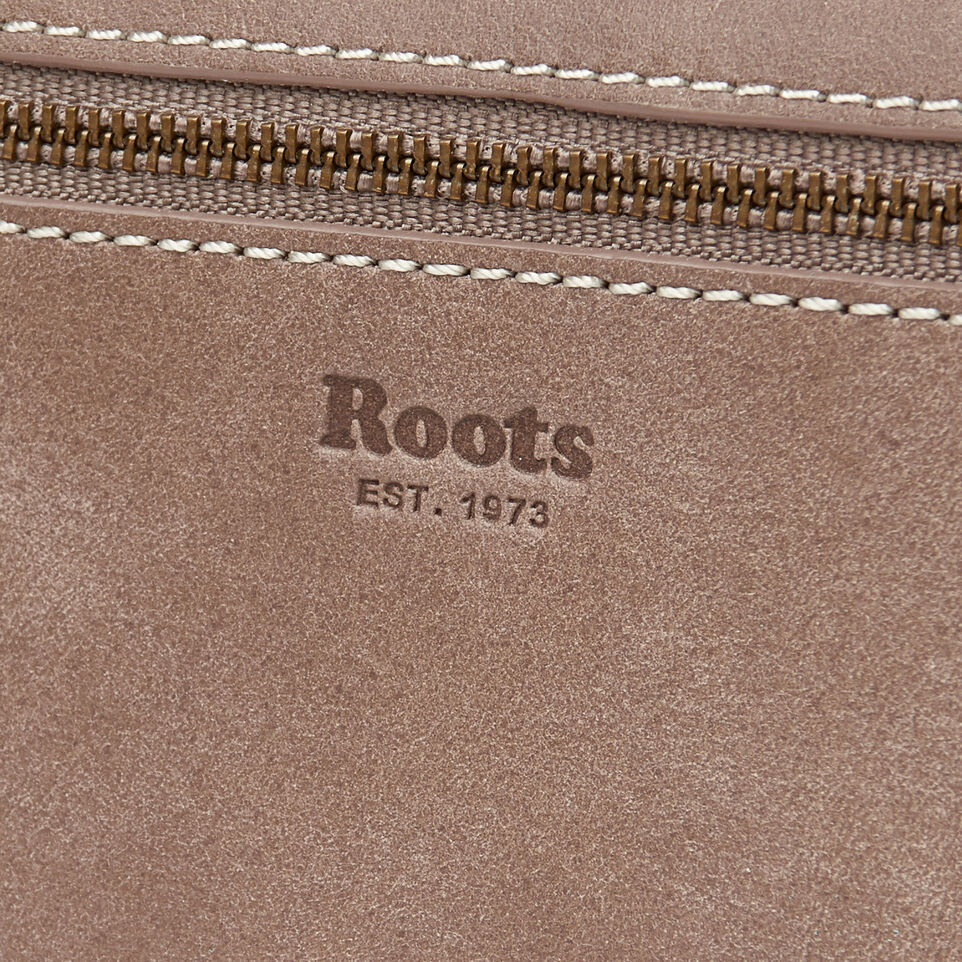Roots-Leather Our Favourite New Arrivals-Riverdale Slim Wallet-Fawn-E