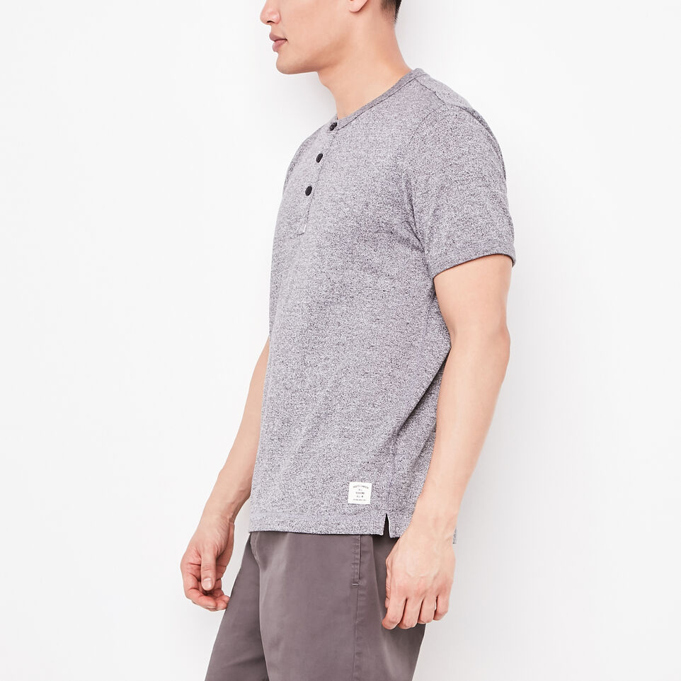 Roots-undefined-Kanata Henley-undefined-B
