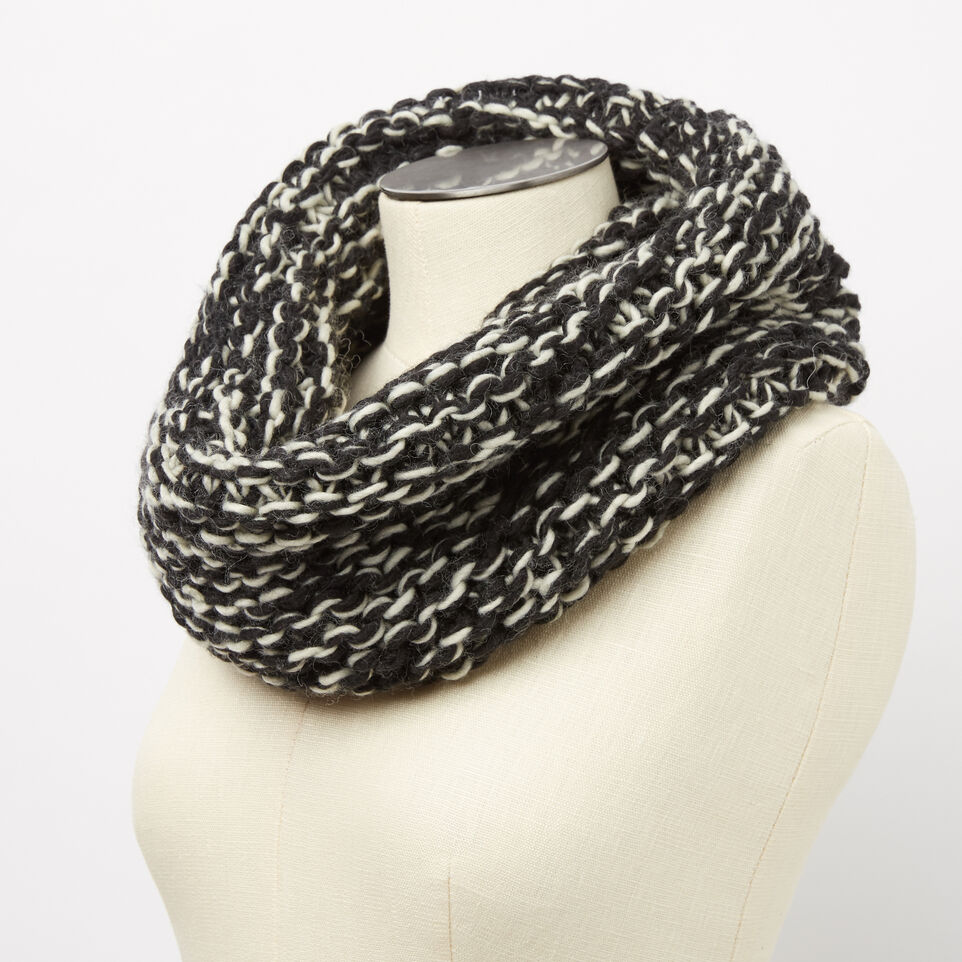Roots-undefined-Sophie Chunky Snood-undefined-B