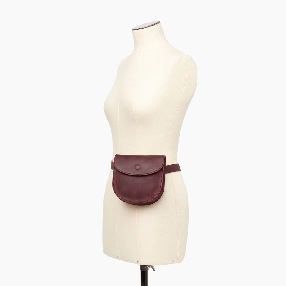 Roots-Leather Our Favourite New Arrivals-Lambert Belt Pack-Crimson-B