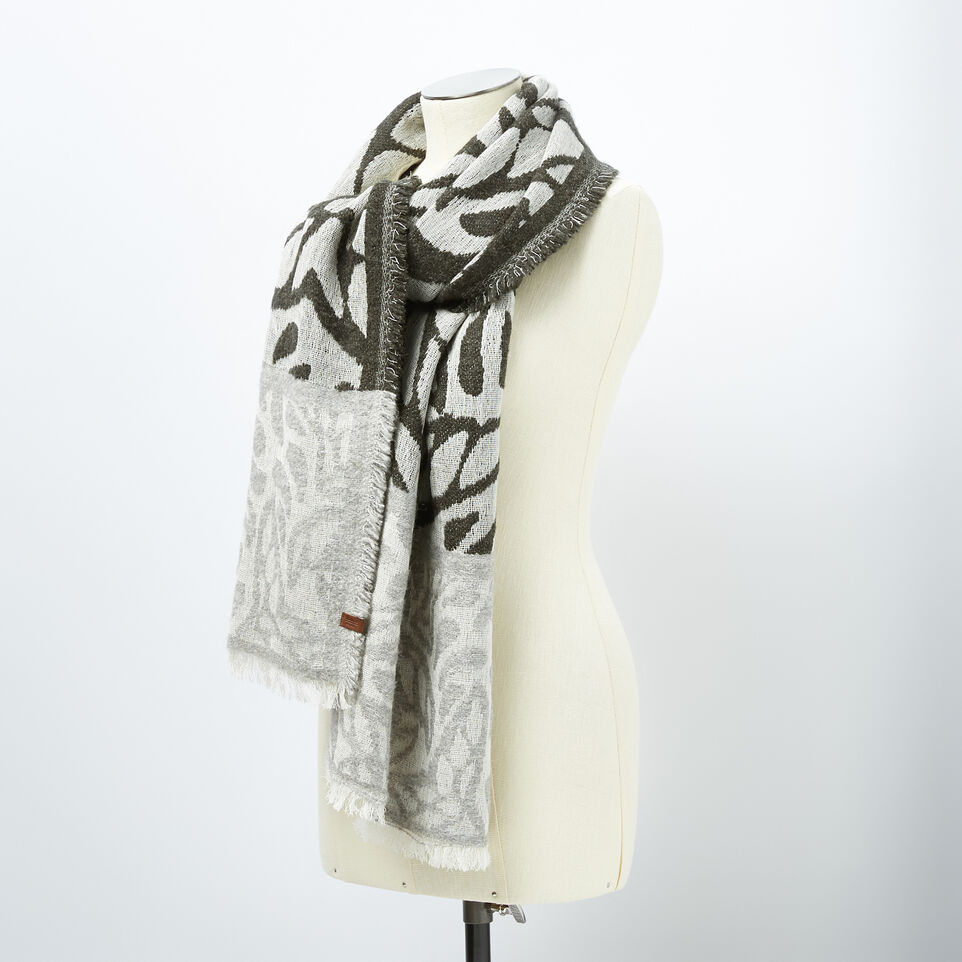Roots-undefined-Emma Scarf-undefined-B