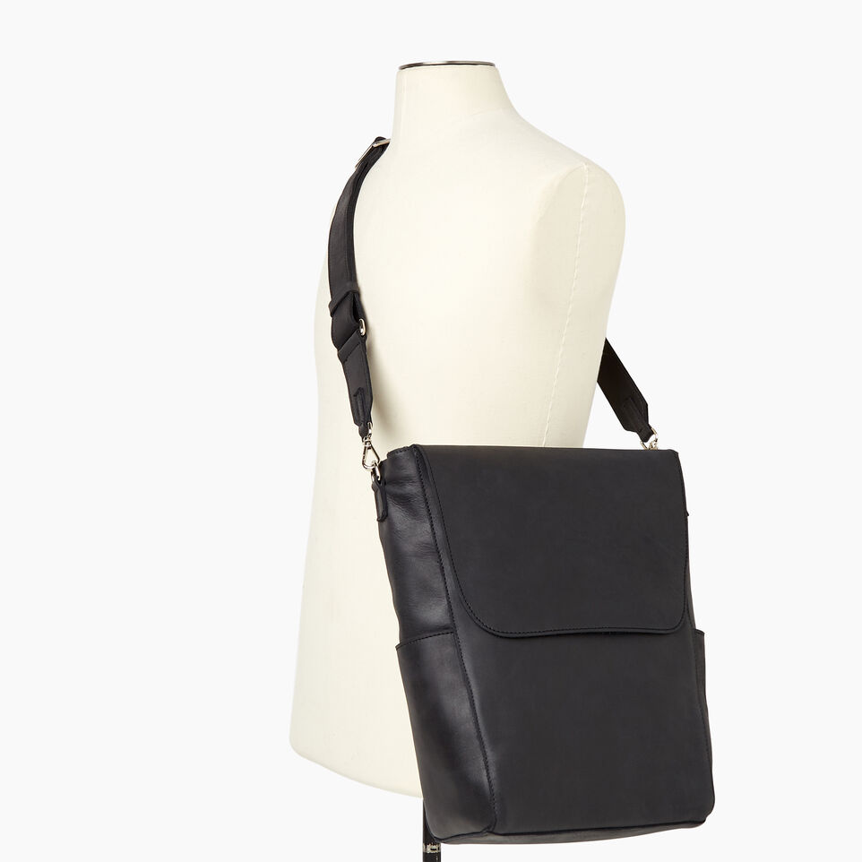Roots-Leather Our Favourite New Arrivals-Journey Bag-Jet Black-B