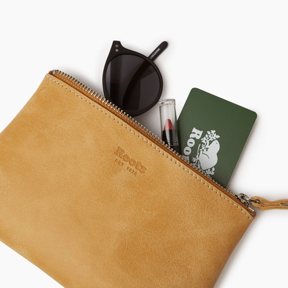 Roots-Leather Our Favourite New Arrivals-Wristlet Pouch-Medallion-B